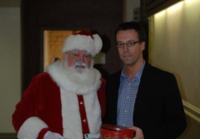 Le Père Noël fait une visite au CPNSSS pour appuyer la négo