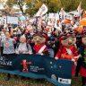 Des milliers de travailleuses de CPE manifestent à Québec